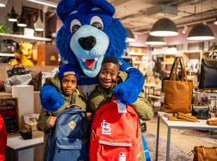 VIP-kids verrast bij Travelbags
